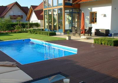 efh_aschach_stimmungsvolle-gartengestaltung-mit-swimmingpool