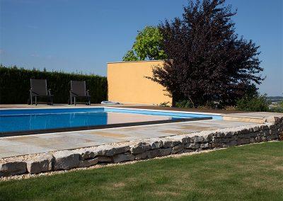 efh_wartberg_moderner-liegeplatz-am-pool